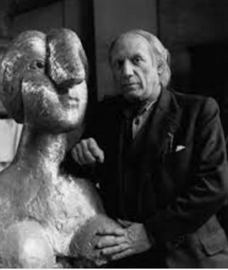 Picasso with the bronze version of the current work.