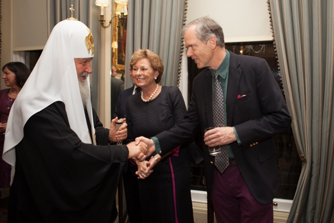 Patriarch Kirill greeting Ivan Lindsay at the Cavalry and Guards Club.