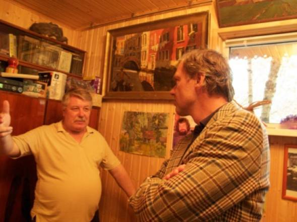 Ivan Lindsay with the late Sacha Stozharov in Vladimir Stozharov's Dacha outside Moscow April 2009
